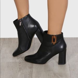 Michael Kors Gloria Leather boots